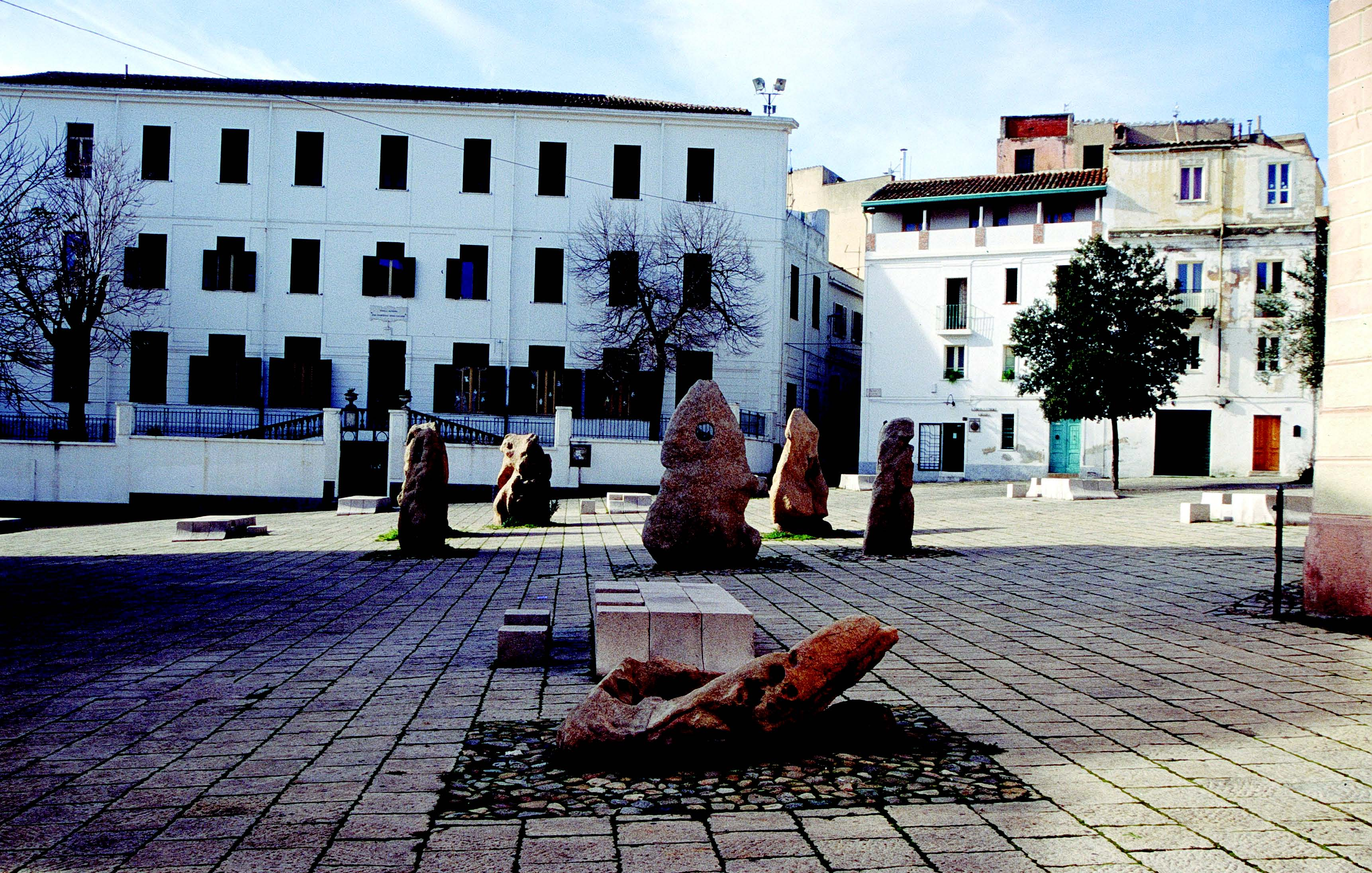 Nuoro,piazza Sebastiano Satta, progettata e realizzata da Costantino Nivola.