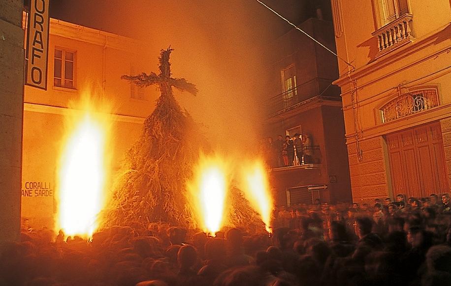 Dorgali, fuoco di Sant'Antonio Abate 16 Gennaio.