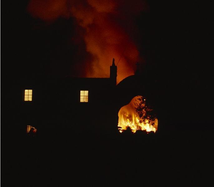 Ripresa sulle abitazioni e il fuoco Orosei. Sant'antonio Abate 16 gennaio.
