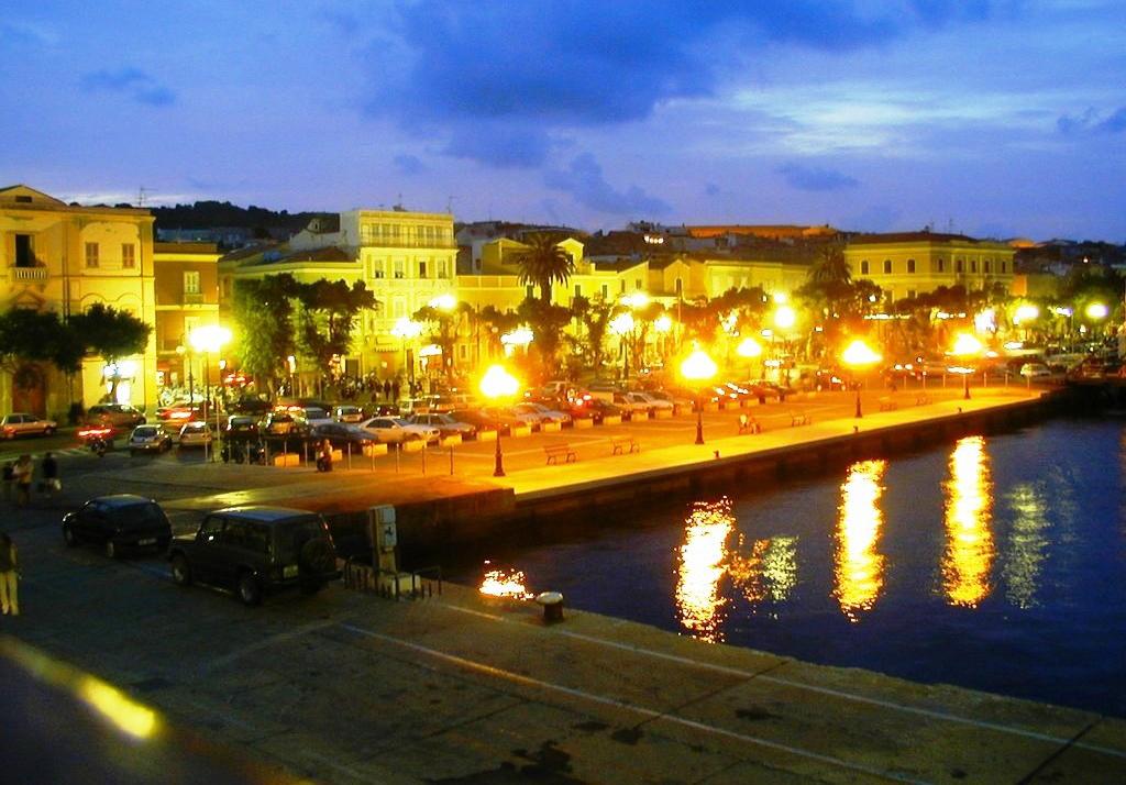 Carloforte il porto di notte