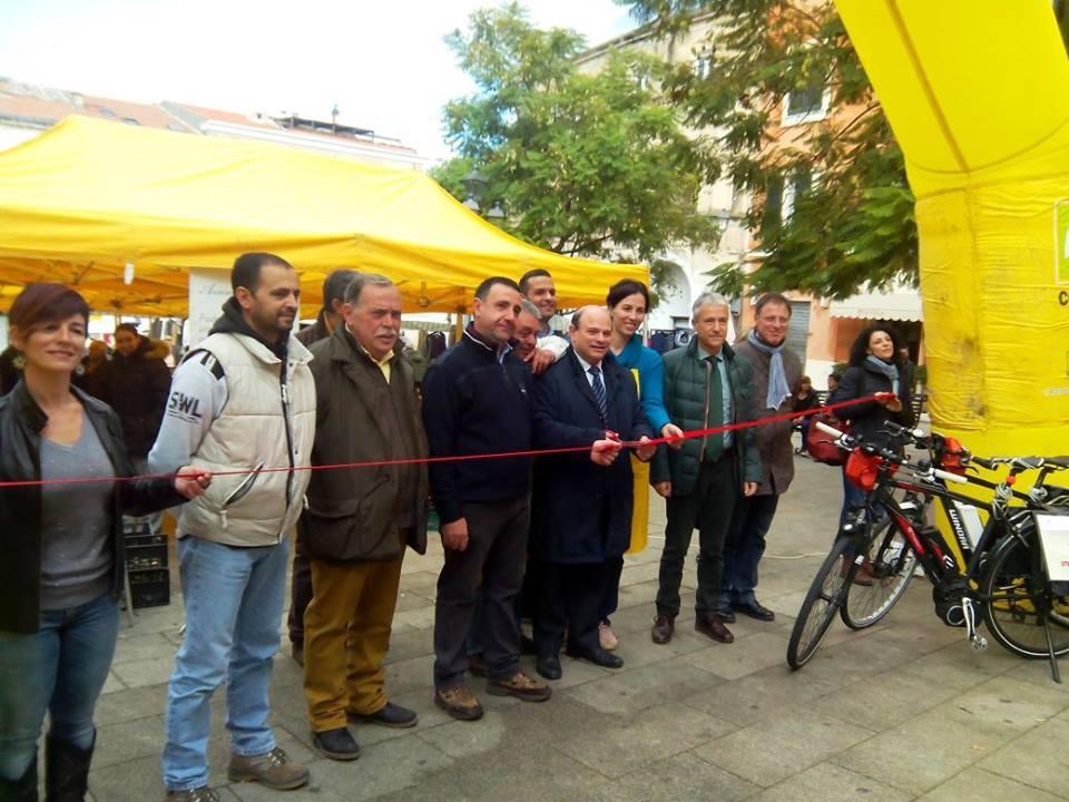 Campagna Amica Sardegna Coldiretti inaugurazione Piazza Tola Sassari 19 novembre 2014 sindaco Nicola Sanna