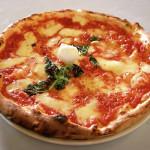 Sassari sabato 7 febbraio 2015 raccolta firme all'Emiciclo a sostegno della pizza come patrimonio dell'Unesco. Tutte le persone che faranno la spesa nei gazebo gialli della Coldiretti di Campagna Amica riceveranno in omaggio un trancio di pizza.