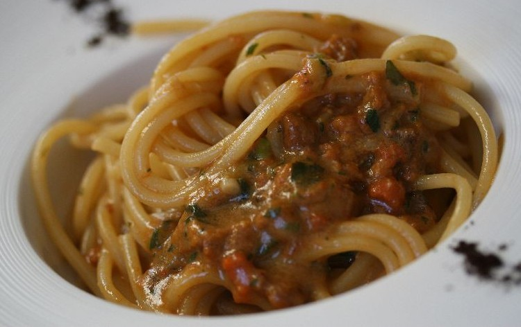 Spaghetti ai ricci di mare Alghero Sagra del Bogamarì 2015