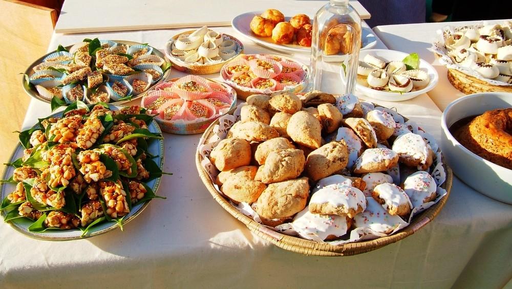 Arzachena un ponte del 2 giugno 2016 da non dimenticare. Magnendi e passizendi evento tra Arte e Cucina Locale un 2 giugno tutto da gustare. Arzachena dolci tipici.