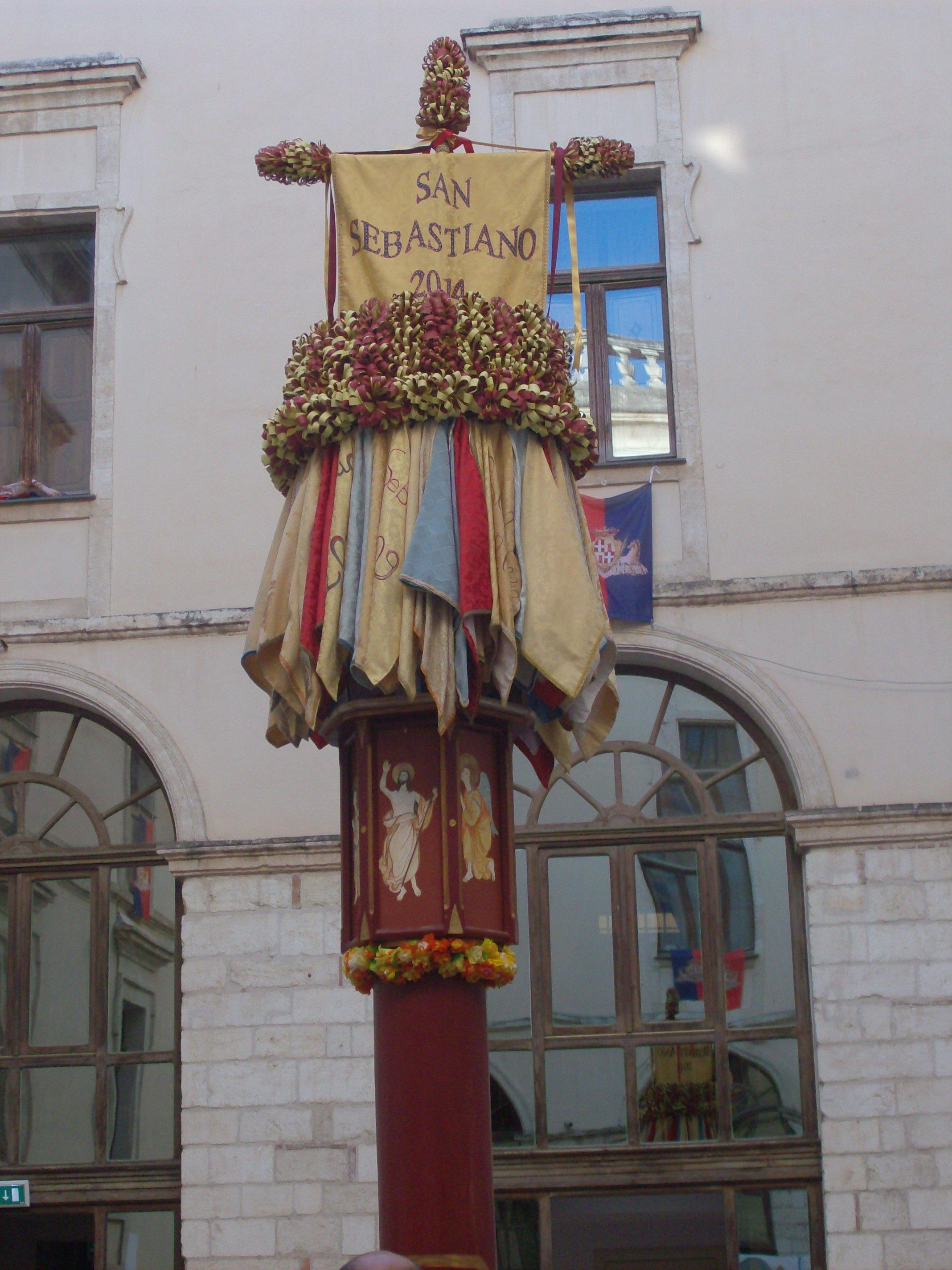 """Ecco il """"Candeliere di San Sebastiano""""."""