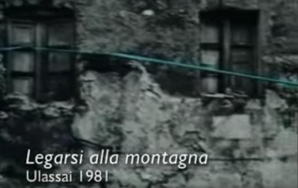 Legarsi alla Montagna Ulassai 1981 opera d'arte di Maria Lai grande artista sarda. Ecco la leggenda che ispirò Maria Lai oltre vent'anni fa nella realizzazione di una delle sue più spettacolari opere d'arte.
