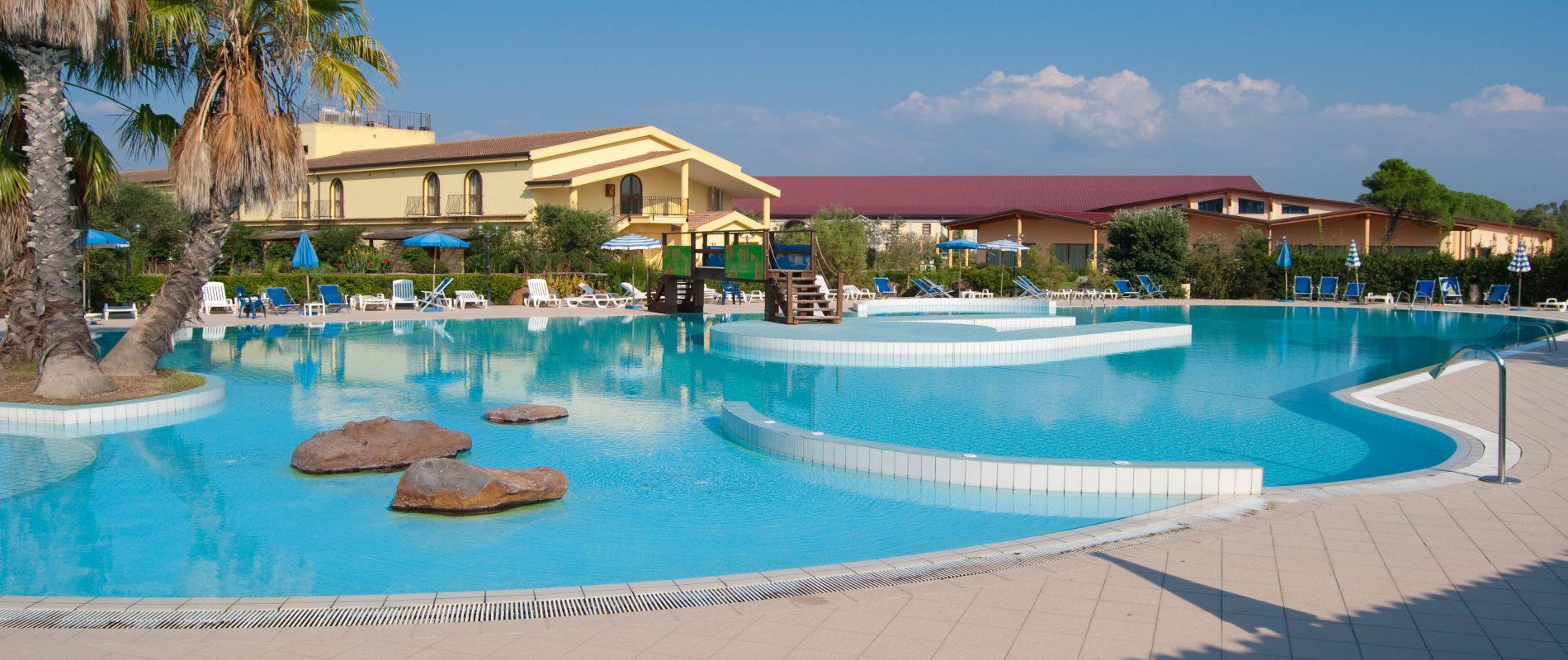 Piscina Horse Country Resort Congress & SPA Arborea (Or)