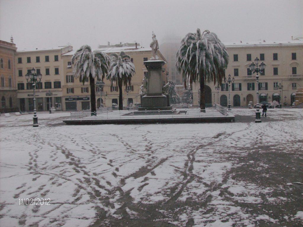 Piazza d'Italia a Sassari innevata