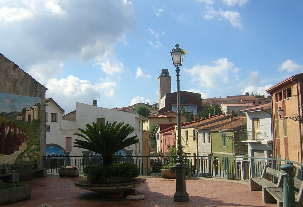 Montresta, piazza Remundu Piras