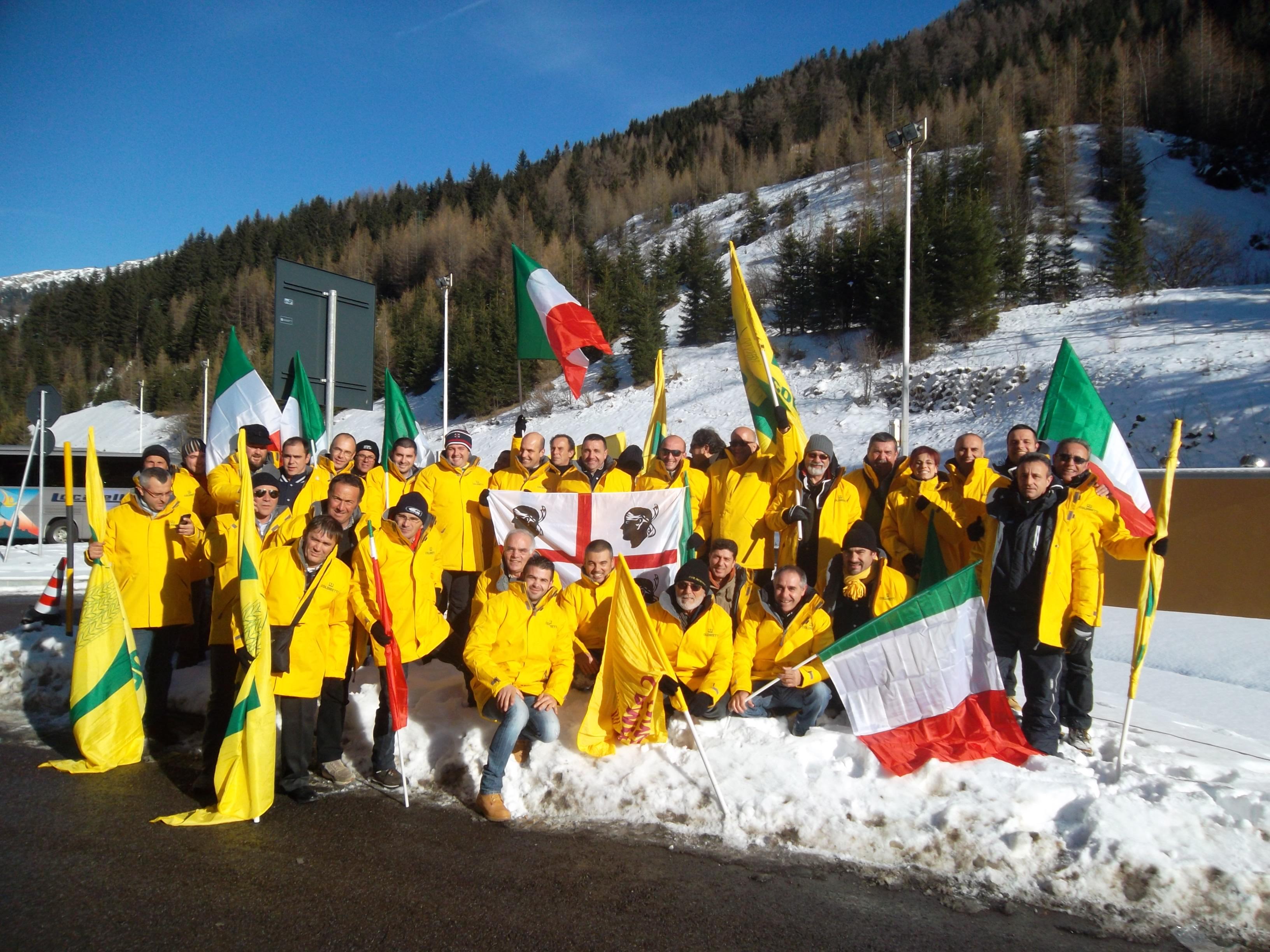 Brennero GRUPPO Sardi protesta 04 Dicembre 2013