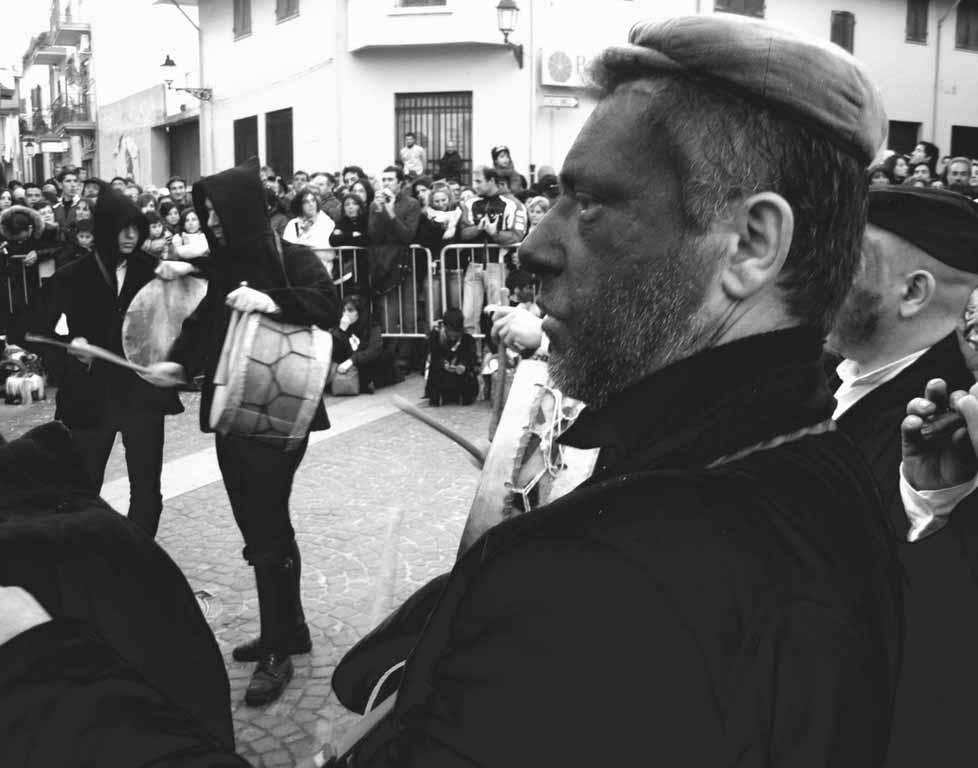 Carnevale 2014 programma: Samugheo sfilata di carnevale sos tumbarinos di Gavoi