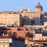 La Regione Sardegna ha destinato a Cagliari risorse economiche a favore di inquilini morosi incolpevoli per l'annualità 2014 essendo un comune ad alta intensità abitativa.