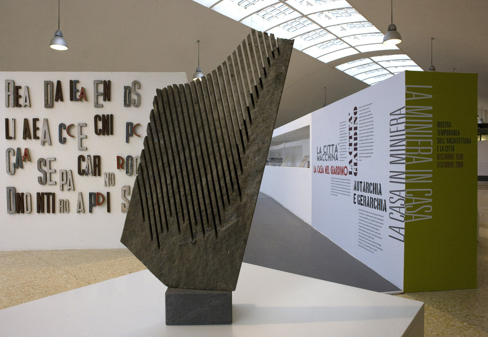 Museo del Carbone scultura di Pinuccio Sciola