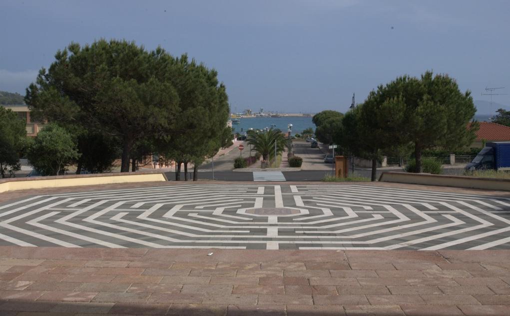 Golfo Aranci piazza sul lungomare