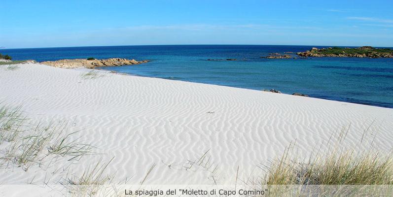La spiaggia del Moletto Di Capo Comino