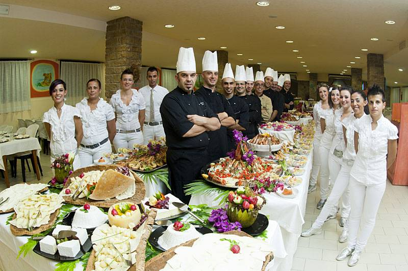 """Lo Staff  """"Rasciada Club"""" Villaggio - Residence a Castelsardo offerte 2014"""
