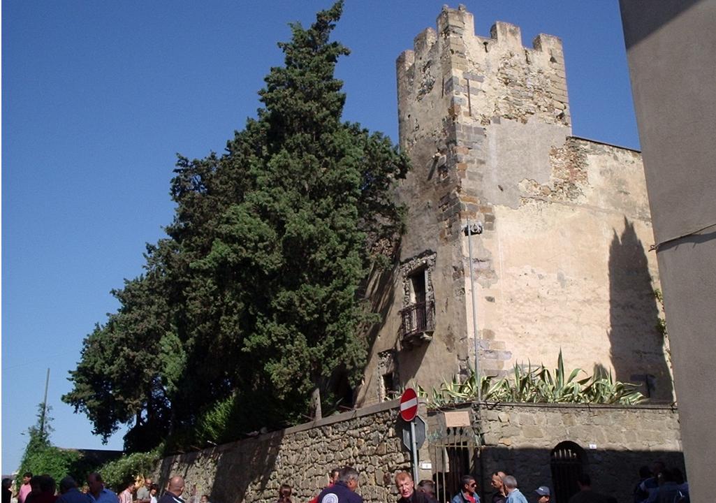 Sanluri scorcio del castello Monumenti Aperti 2014
