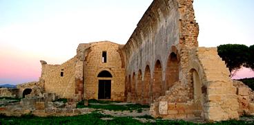 Uri i resti deli antica abbazia di Santa Maria di Paulis