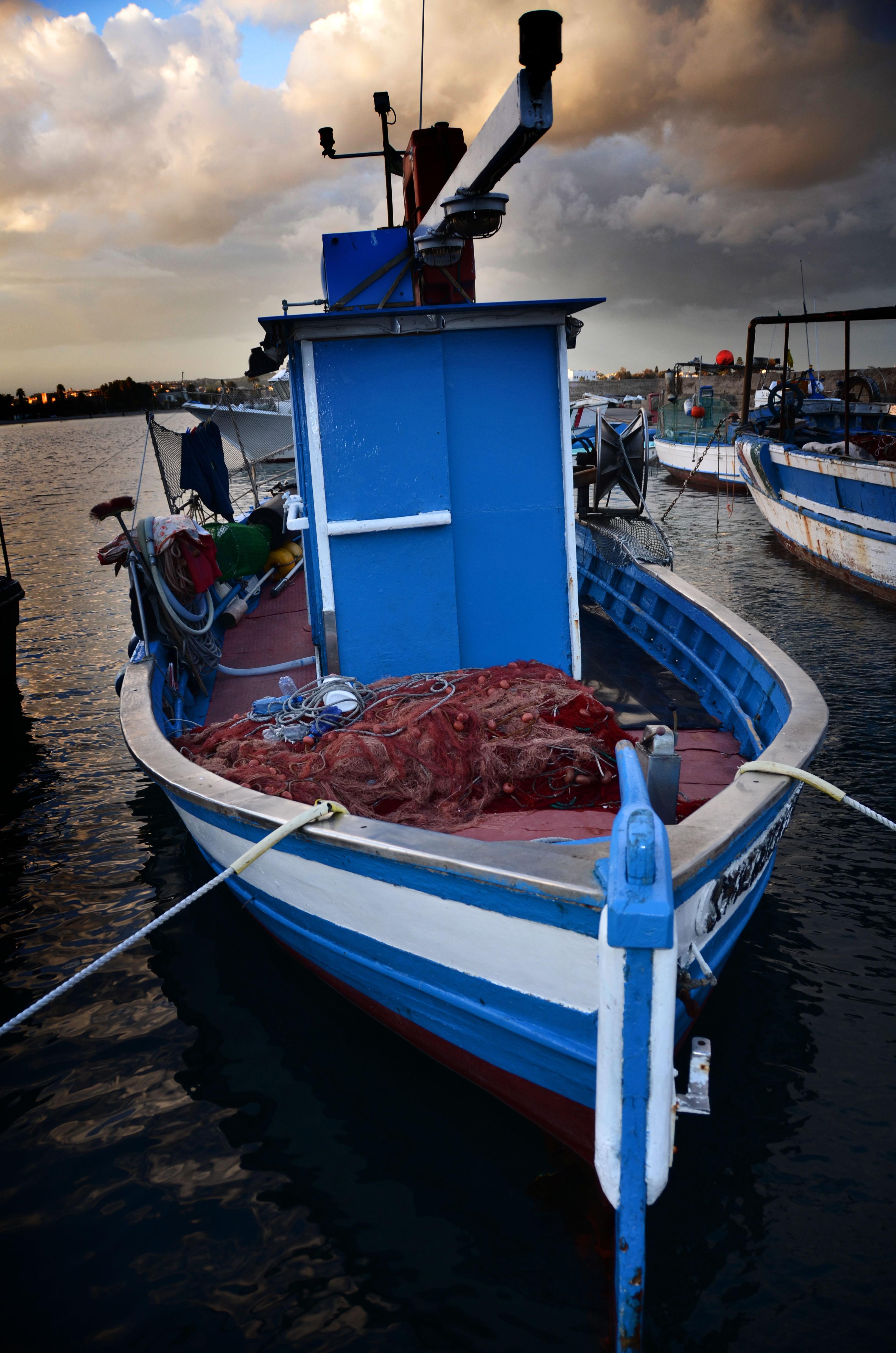 2014 mostra pesca e pescherecci Pesca e pescherecci a Cagliari.   Viaggio nelle marinerie di un antico porto