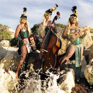 Santa Teresa Gallura: Gallura Buskers Festival dal 17 al 20 luglio 2014 musica e stravaganti performance di artisti di strada tra i vicoli e la piazza di Santa Teresa Gallura