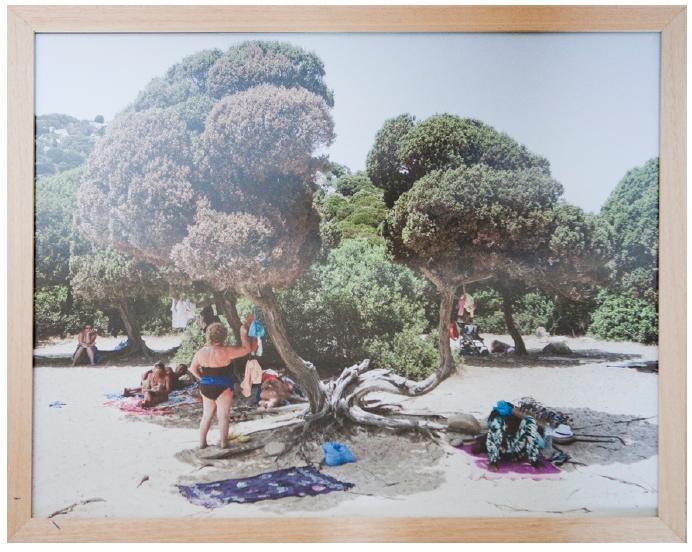 Sardinian Postcards è un progetto documentaristico nato nel 2011 che apre le porte ad una riflessione sul paesaggio e sull'iconografia che si ha della Sardegna.