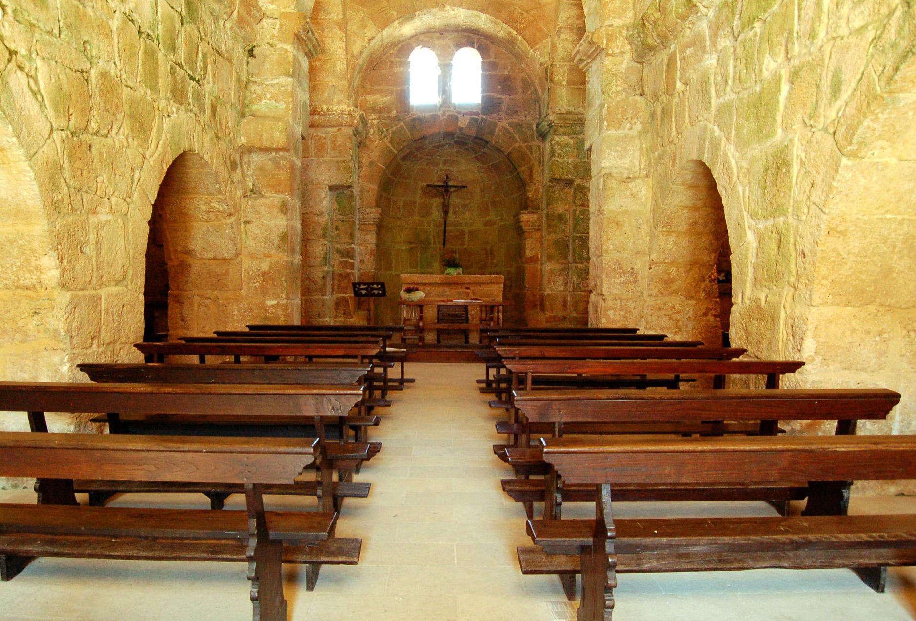 Interno della chiesa di San Giovanni di Sinis
