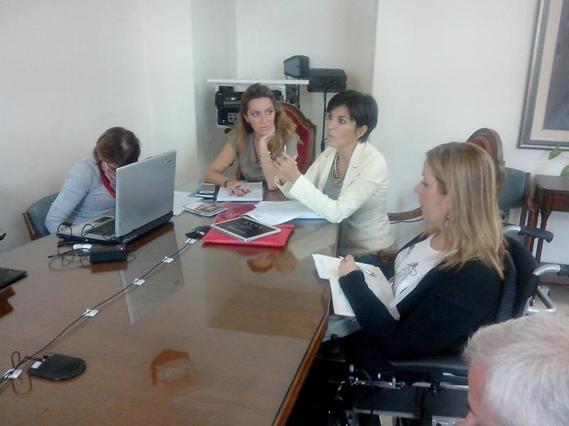 A destra L'assessora alle Politiche culturali di Sassari Monica Spanedda in audizione nella quinta commissione