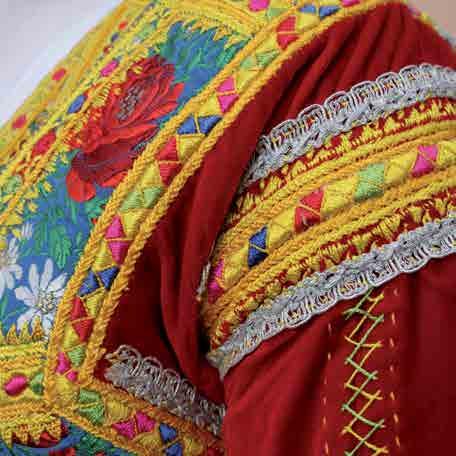 Cortes Apertas 2014 a Desulo particolare abito femminile