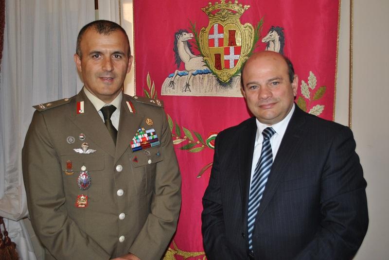 Il primo cittadino incontra il generale Arturo Nitti a Palazzo Ducale. La Brigata Sassari deve restare in città così Nicola Sanna Sindaco di Sassari 28 ottobre 2014.