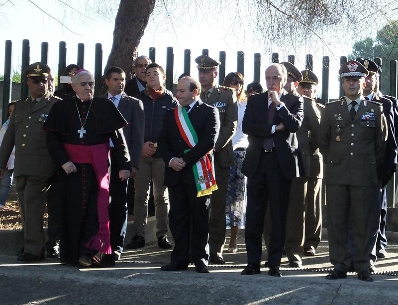 Sassari celebrazioni 2 novembre 2014 Parco di parco di Baddimanna cerimonia organizzata dalla brigata Sassari che si è volta al monumento dedicato ai caduti.  Presente il Sindaco Nicola Sanna e padre Paolo Atzei.