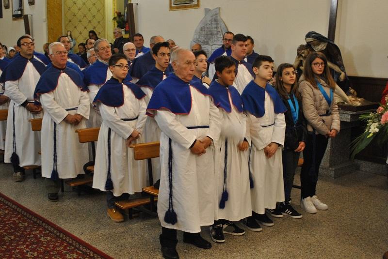 Inaugurato il presepe di Stintino. Undici ragazzi entrano a far parte della Confraternita della Beata Vergine della Difesa.