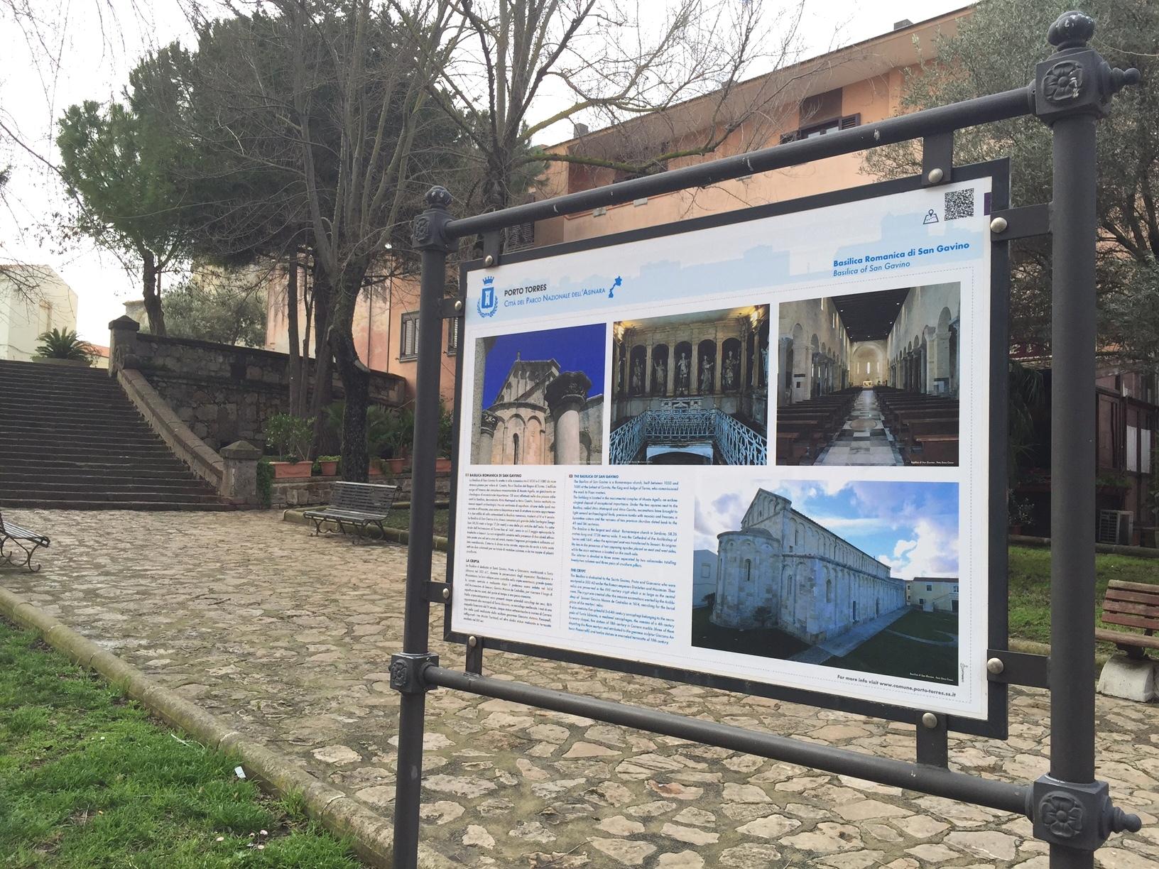 Pannello Basilica. Febbraio 2015 Nuovi Cartelli Informativi nei Siti di Interesse Turistico. In evidenza la mappa della città e le immagini dei luoghi più suggestivi di Porto Torres.