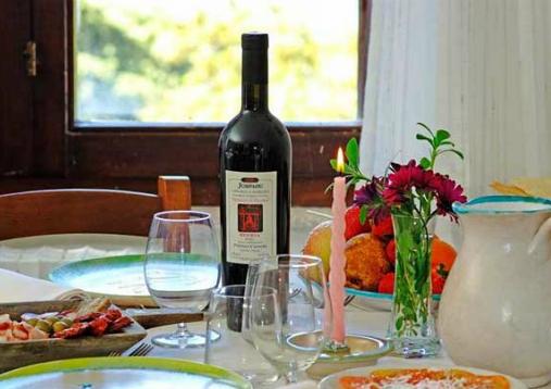 OFFERTA PRODOTTI TIPICI. Proposta soggiorno escursionistico nel centro Sardegna. La Cooperativa Turistica Enis a Oliena (NU) ti aspetta per la primavera/estate 2015.