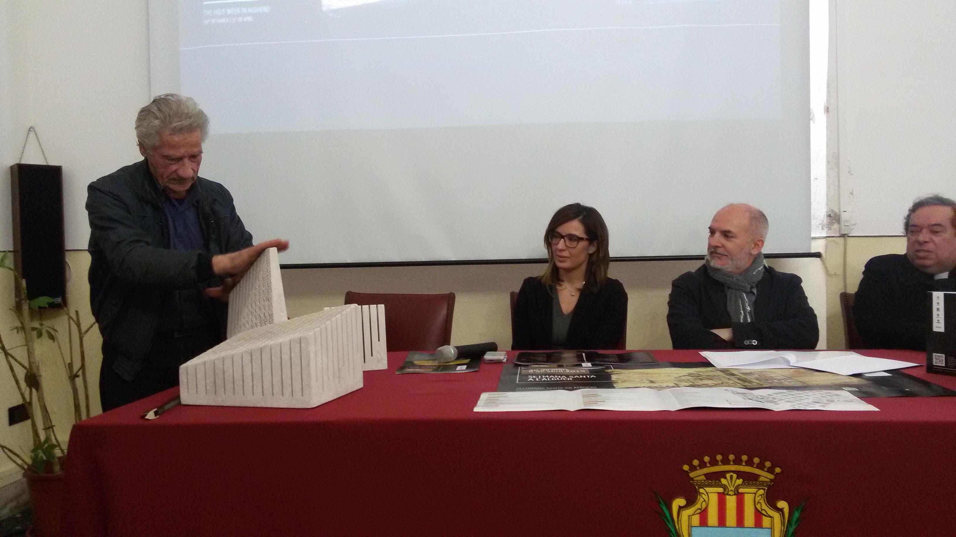 Un omaggio a Gaudí caratterizzerà l'atmosfera della Settimana Santa 2015 a l'Alguer. Il Centro Storico riannoderà i fili con la Catalogna grazie all'arte di Pinuccio Sciola, l'artista inventore delle pietre sonore che realizzerà una mostra ed installazioni nel Centro Storico.