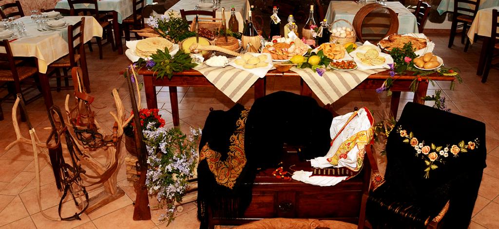 Agriturismo S Ozzastru Dorgali provincia di Nuoro Offerte Vacanze Pasqua e Pasquetta 2015, Pranzo di Pasqua e Pasquetta con menù tipico sardo.