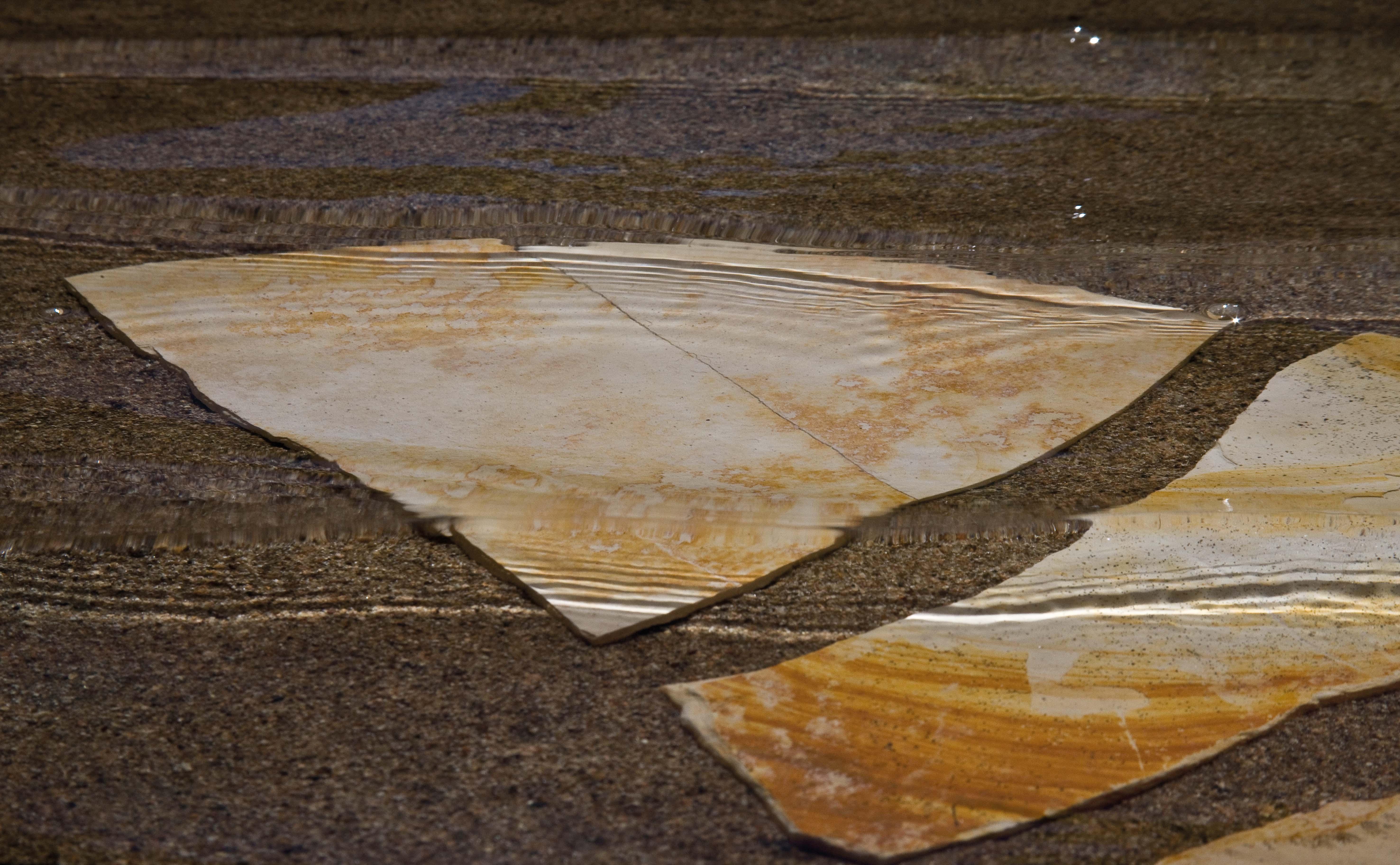 Antonello Ottonello opera foto Giorgio Dettori. Mostra Colorpietra con opere di Antonello Ottonello ispirate al mondo minerario sardo Centro Comunale d'Arte e Cultura Exmà Cagliari 15 marzo - 12 aprile 2015.