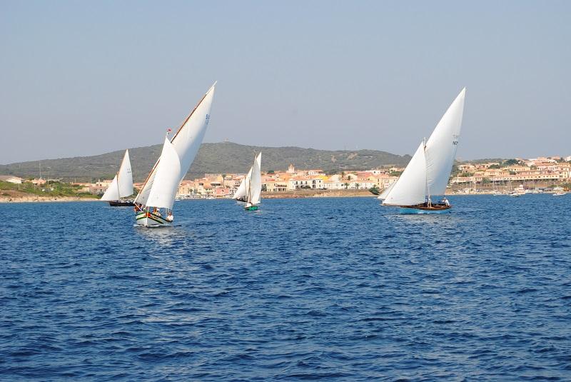 Stintino Regata di vela latina 2024.  Anche da Porto Torres, Alghero e Sorso il supporto per la candidatura ai Giochi olimpici della vela 2024 proposta dal sindaco di Stintino Antonio Diana.