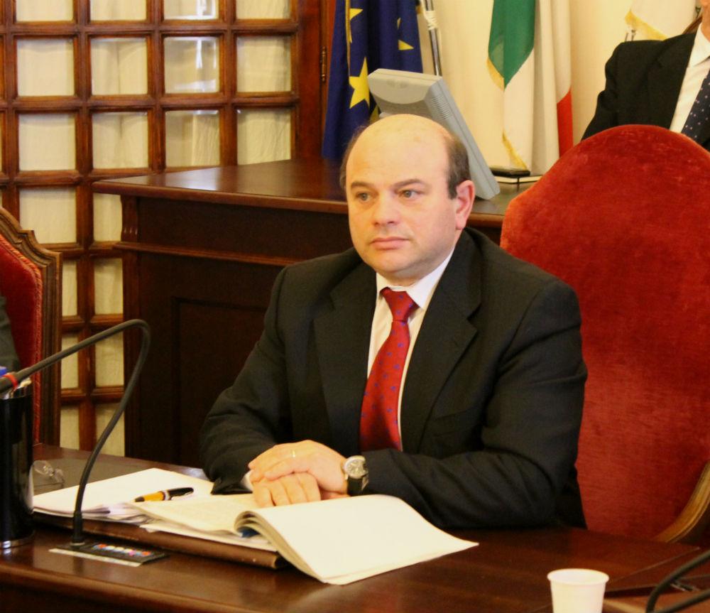 «I consiglieri comunali del Pd si mettano a disposizione del sindaco» Nicola Sanna li invita ad avere fiducia nel loro primo cittadino
