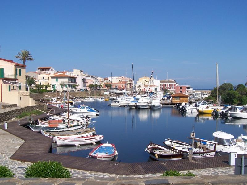 Porto Minori visto da Via Lepanto Stintino. Pasquetta 6 aprile 2015 a Stintino  menù speciali a prezzi scontati.