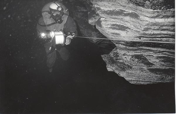 CONVEGNO INTERNAZIONALE DI SPELEOLOGIA SUBACQUEA Le esplorazioni speleosubacquee nel Golfo di Orosei Nuove Frontiere dell'esplorazione speleosubacquea