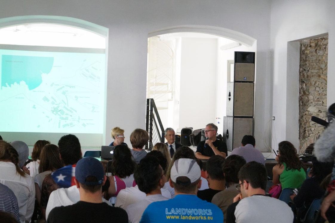 Sassari Argentiera Landworks. Landworks Sardinia fino al 30 maggio 2015 sette gruppi di esperti per ridisegnare e valorizzare tutte le potenzialità paesaggistiche e storiche dell'Agentiera.