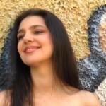 Maria Giovanna Cherchi e Cecilia Concas duettano in Sola so' la canzone dell'estata 2015.