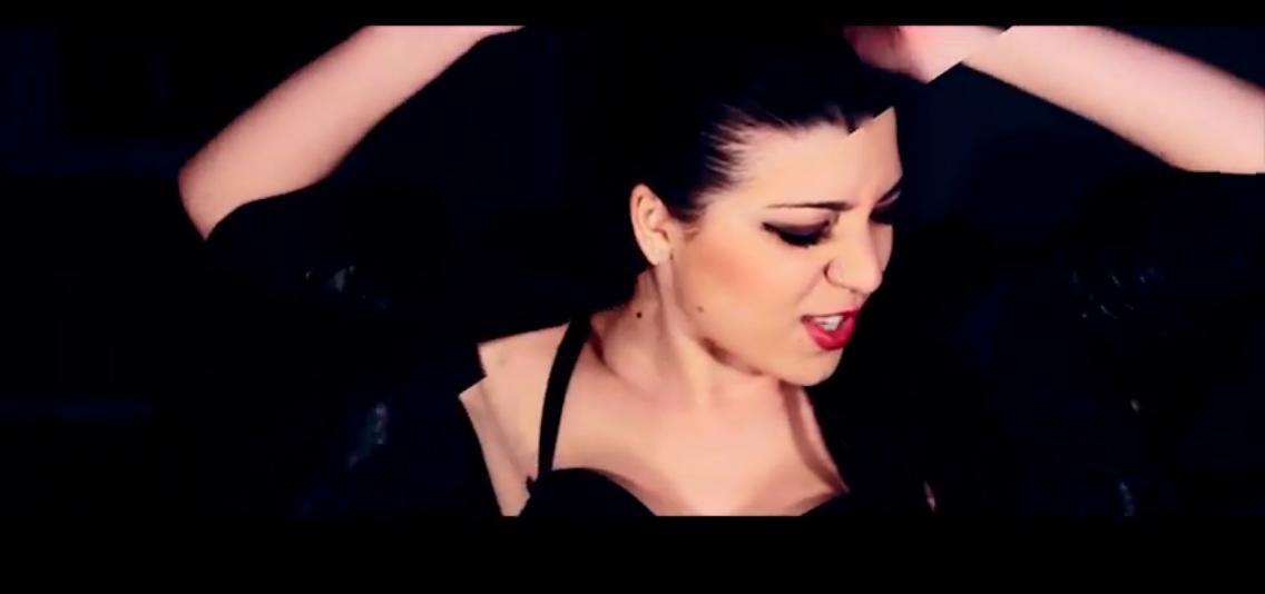 """Minako primo piano. """"Danzo Sospesa"""" video pieno di emozioni di Minako e Mr.PièR realizzato da Gianpaolo Stangoni."""