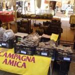Coldiretti 24 giugno 2015: Il cibo rimasto invenduto nel mercato di Campagna Amica di Sassari sarà destinato alle mense dei poveri.