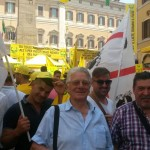 """Coldiretti 8 luglio 2015: gli allevatori sardi a Roma """"con la polvere di latte a rischio i formaggi tipici e l'export""""."""