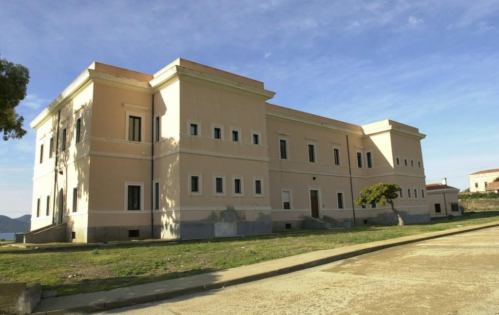 Asinara Cala Reale particolare edificio