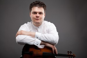 ROMAN SIMOVIC – Violino