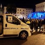 A capodanno in sessanta all'alcoltest. Campagna di sicurezza della polizia municipale sassarese in piazza d'Italia.