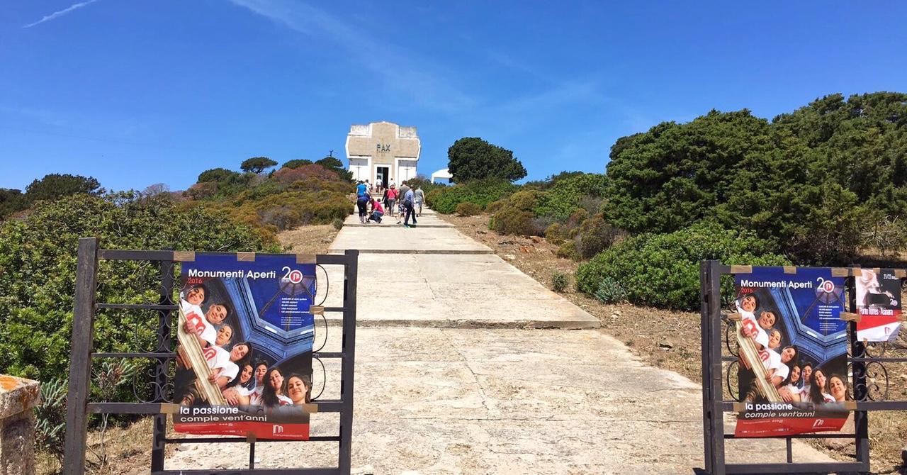 Grande successo di Monumenti aperti 2016 domenica 22 maggio a Porto Torres e sull'isola parco dell'Asinara con circa 17500 visitatori totalizzati. Area archeologica di Turris Libisonis. Ossario Asinara.