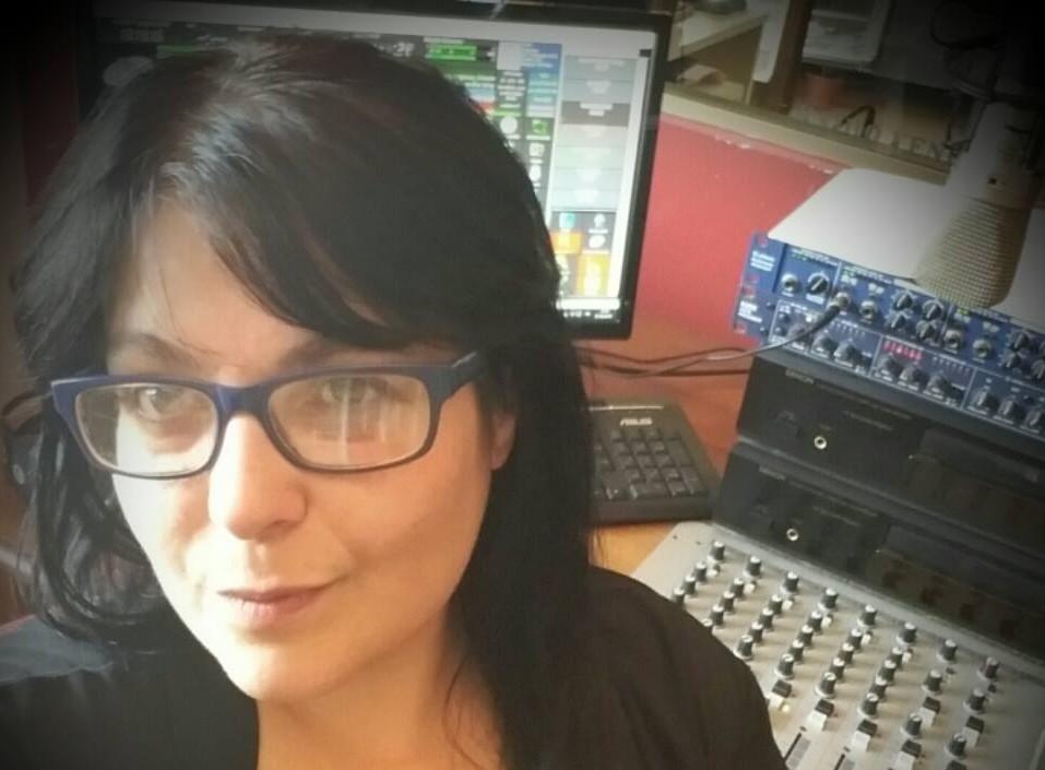 Francesca Arca giornalista e speaker radiofonica con grande verve a Radio Venere a Sassari.